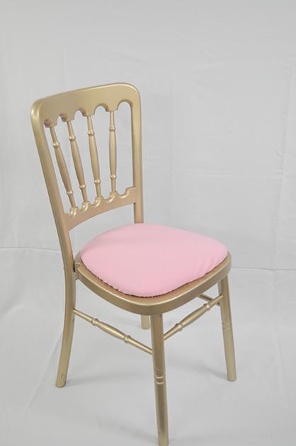 Cheltenham Gold Chairs Chairman Hire